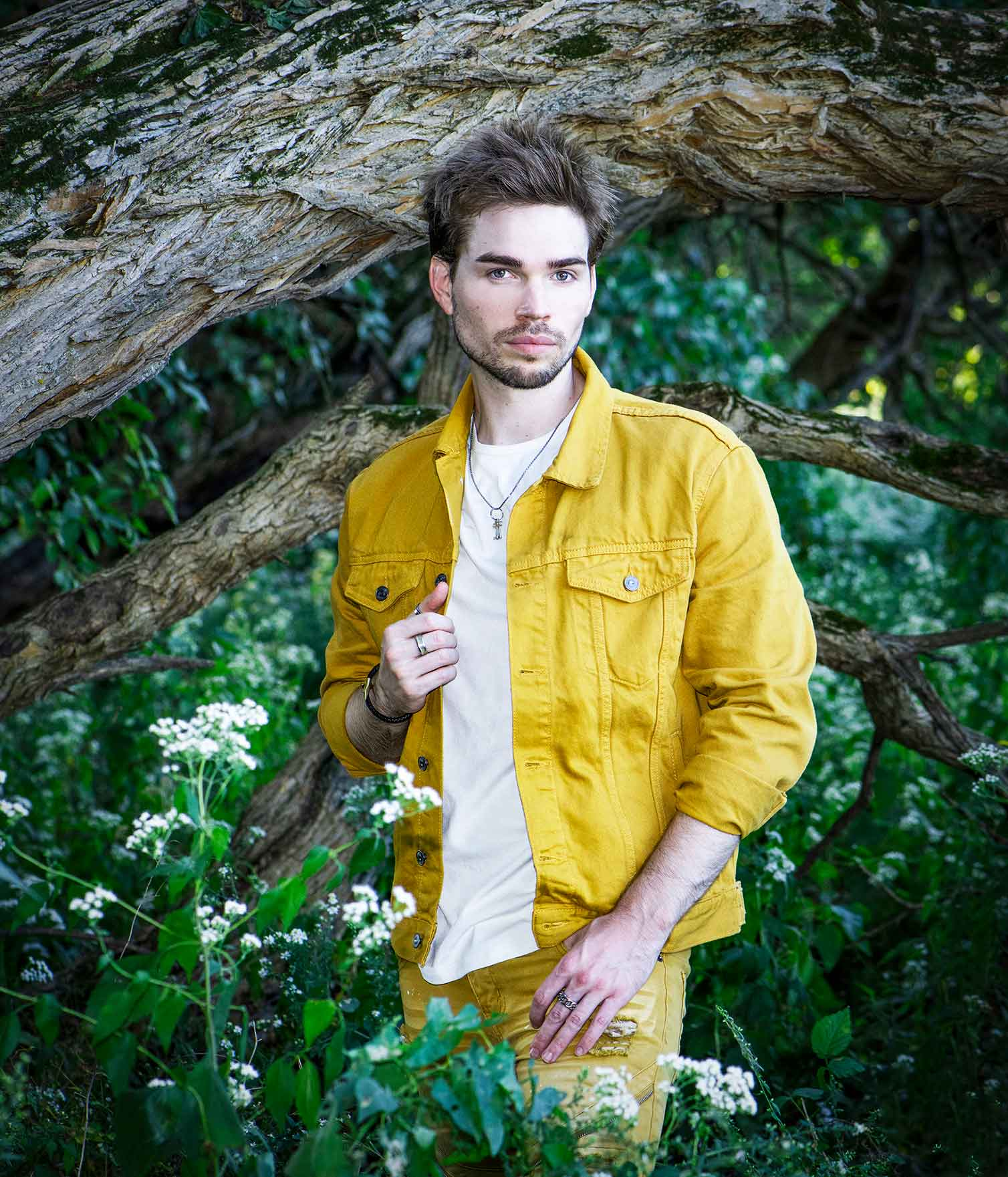 Chicago - based singer/songwriter Isaiah Grass - Singer